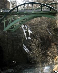 Thurston Avenue Bridge, which crosses Fall Creek (16 March 2010)