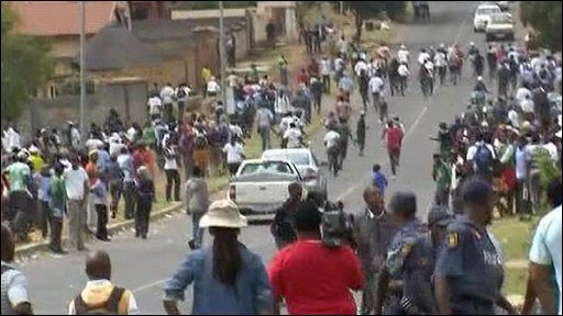 Students riot in South Africa