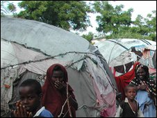 Refugees in Mogadishu (file photo)
