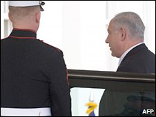 Israeli PM Benjamin Netanyahu (right) walks into the West Wing of the White House