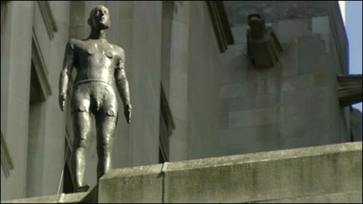 A Gormley statue