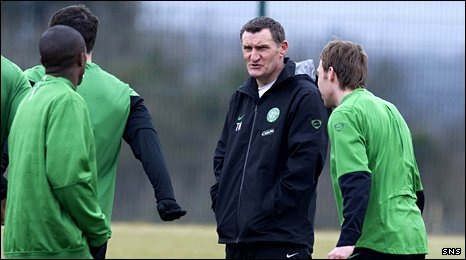 Former Celtic manager Tony Mowbray with some of the players
