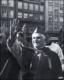Joseph Ratzinger bids farewell to Munich as he takes up his post as head of the CDF, November 1981