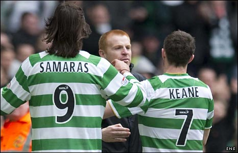 Georgios Samaras and Neil Lennon celebrate with goalscorer Robbie Keane