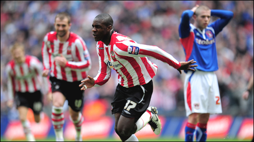 Michail Antonio celebrates Southampton&amp;apos;s fourth goal