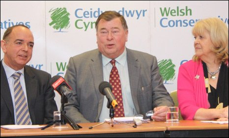 John Marek, flanked by Welsh Tory leader Nick Bourne and shadow Welsh secretary Cheryl Gillan. Photo: Conservative Party