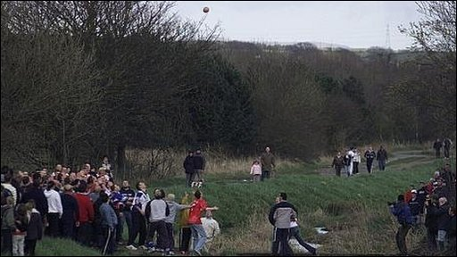 Uppies and Downies, the first throw of the ball in 2006