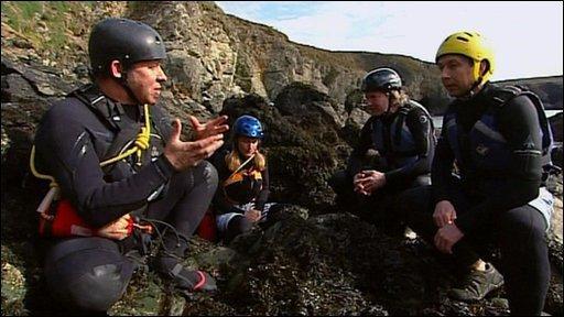 Divers on cliffs