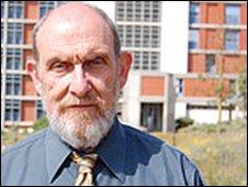 Dr Ron Lobel