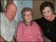 Florrie Baldwin, centre, with grandson David Worsnop (l) and daughter Mazie Worsnop (r) on her 11th birthday