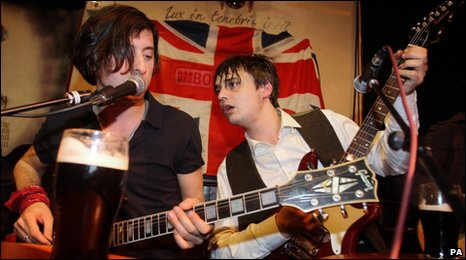 Carl Barat (left) and Pete Doherty playing at Boogaloo in north London after they formally announced that The Libertines are reforming