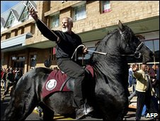 Eugene Terreblanche rides a black horse after being released from prison in Potchefstroom, file pic from 2004