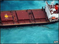 The Shen Neng 1 aground off Australia