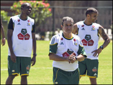 South Africa coach Carlos Alberto Parreira (centre) leads a training session