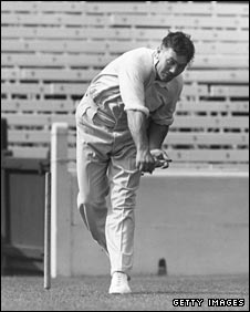 Bedser had a unique bowling style
