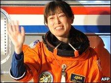Japanese astronaut Naoko Yamazaki  (5 April 2010)