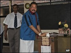 President Mahinda Rajapaksa voting - 8 April 2010