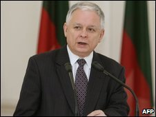 Lech Kaczynski in a photo from 8 April