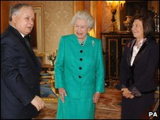 President Lech Kaczynski and his wife Maria meeting the Queen in 2006