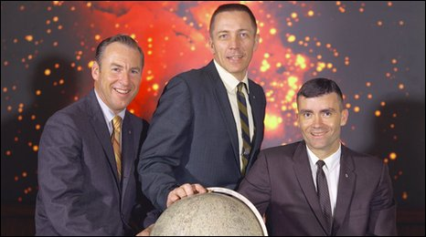 From l-r: Lovell, Swigert, Haise pose for their crew portrait (Nasa)