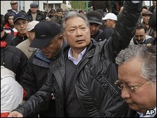 Kurmanbek Bakiyev at a rally in Jalalabad, Kyrgyzstan (12 April 2010)