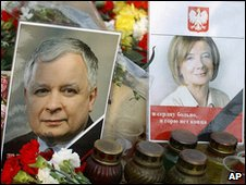 Pictures of Polish president and wife