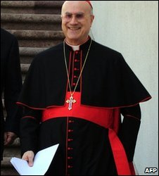 Cardinal Tarcisio Bertone in Santiago, Chile, 7 April