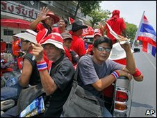 Red-shirt protesters in Bangkok, Thailand (14 April 2010)