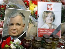 Pictures of the late Polish president and his wife
