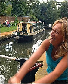 Opening a lock on the Wey Navigation