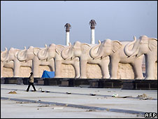 Lucknow elephant statues