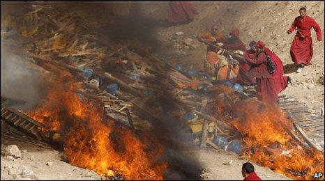 Tibetan cremation