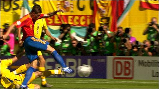 Fernando Torres scores v Ukraine