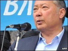 Kurmanbek Bakiyev in Jalalabad, Kyrgyzstan (15 April 2010)