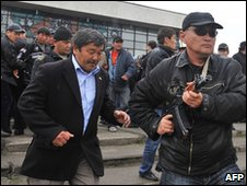 Kurmanbek Bakiyev's bodyguards in Jalalabad, Kyrgyzstan (15 April 2010)