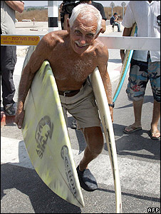 Dorian Paskowitz, surfer, 89, arrives with surfboards at Erez crossing, 2007