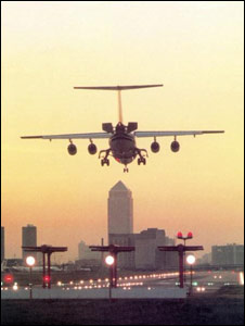 A BAe 146 comes in to land at London City airport