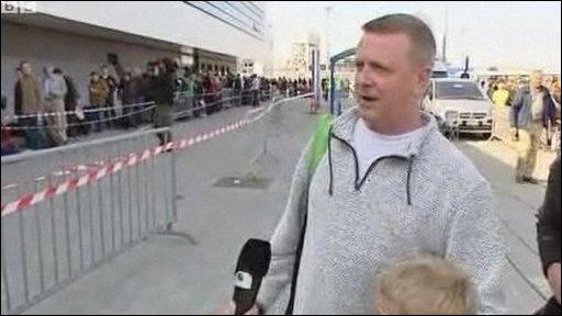Calais traveller