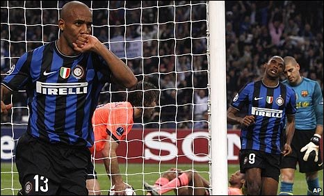 Maicon celebrates putting Inter ahead