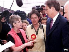 Sharon Storer challenges Tony Blair in 2001 election