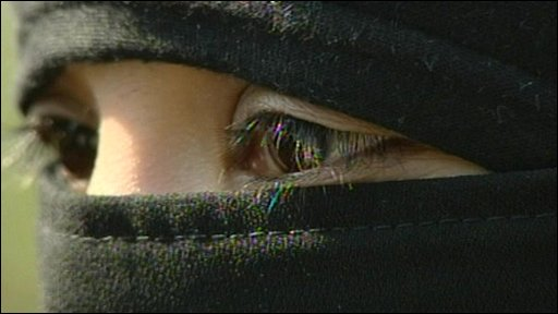 Belgian woman wearing full niqab