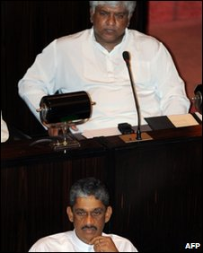 Gen Fonseka in parliament with former Sri Lankan cricket captain and Democratic National Alliance Member of Parliament Arjuna Ranatunga