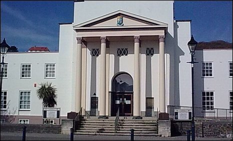 Library plan for disused town hall in Aberystwyth (Wales)