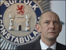Ian Hart as Detective Chief Superintendent Stewart Gull