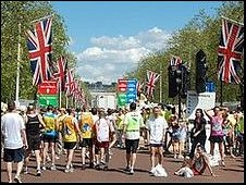 London Marathon runners in the Mall