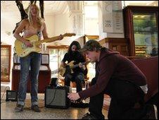 Manchester Scenewipe capture Lissie singing in Manchester Museum