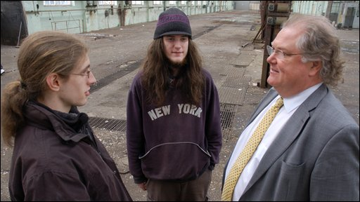 Ben Gillett (l), Tim Cruise and Lord Digby Jones (r)