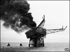 The Piper Alpha oil platform burns