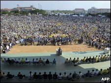 Okinawans rally at an athletics ground - 25 April 2010