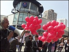 TUSC candidate Dave Hill with the balloons